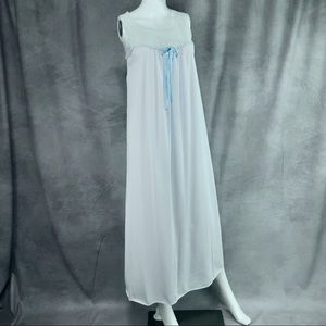 VINTAGE NYLON LIGHT BLUE NIGHTGOWN WITH LACE YOKE
